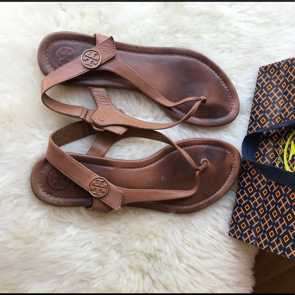 eb521ae3db64e5 ☄ ☄️Tory Burch Minnie Travel Sandals Size 7 Tan☄ .  M 5ad983e484b5ce1afb3b03ca